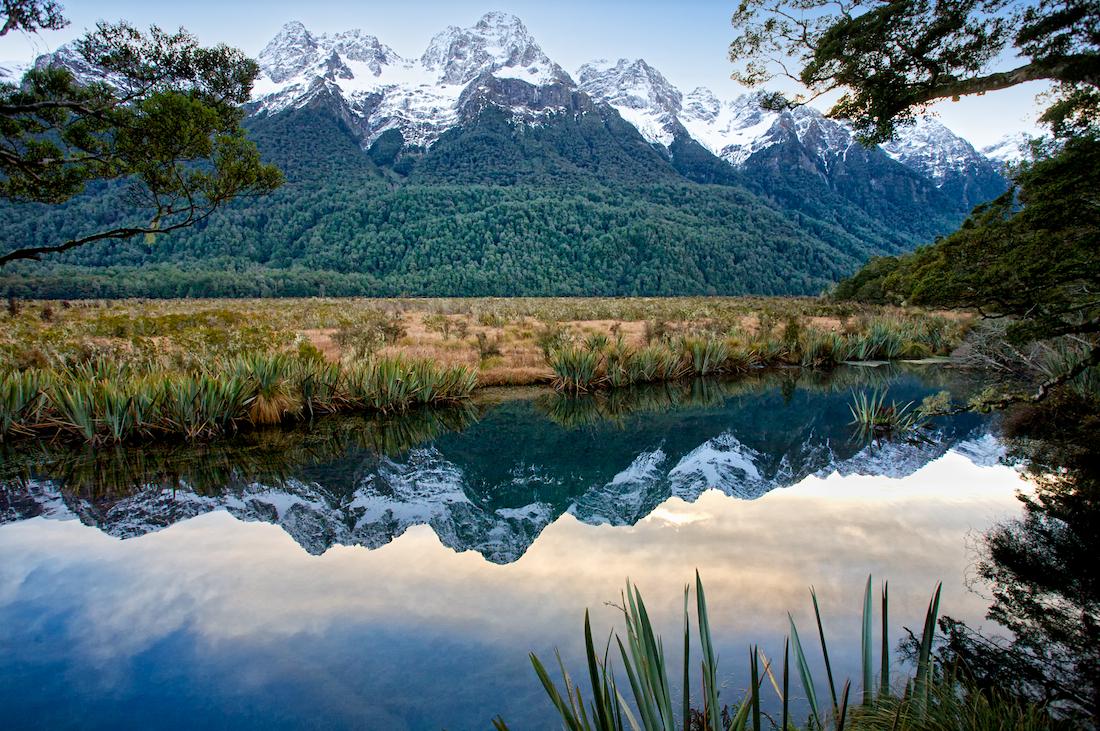 Mirrow Lakes - Tấm gương khổng lồ phản chiếu núi non xung quanh